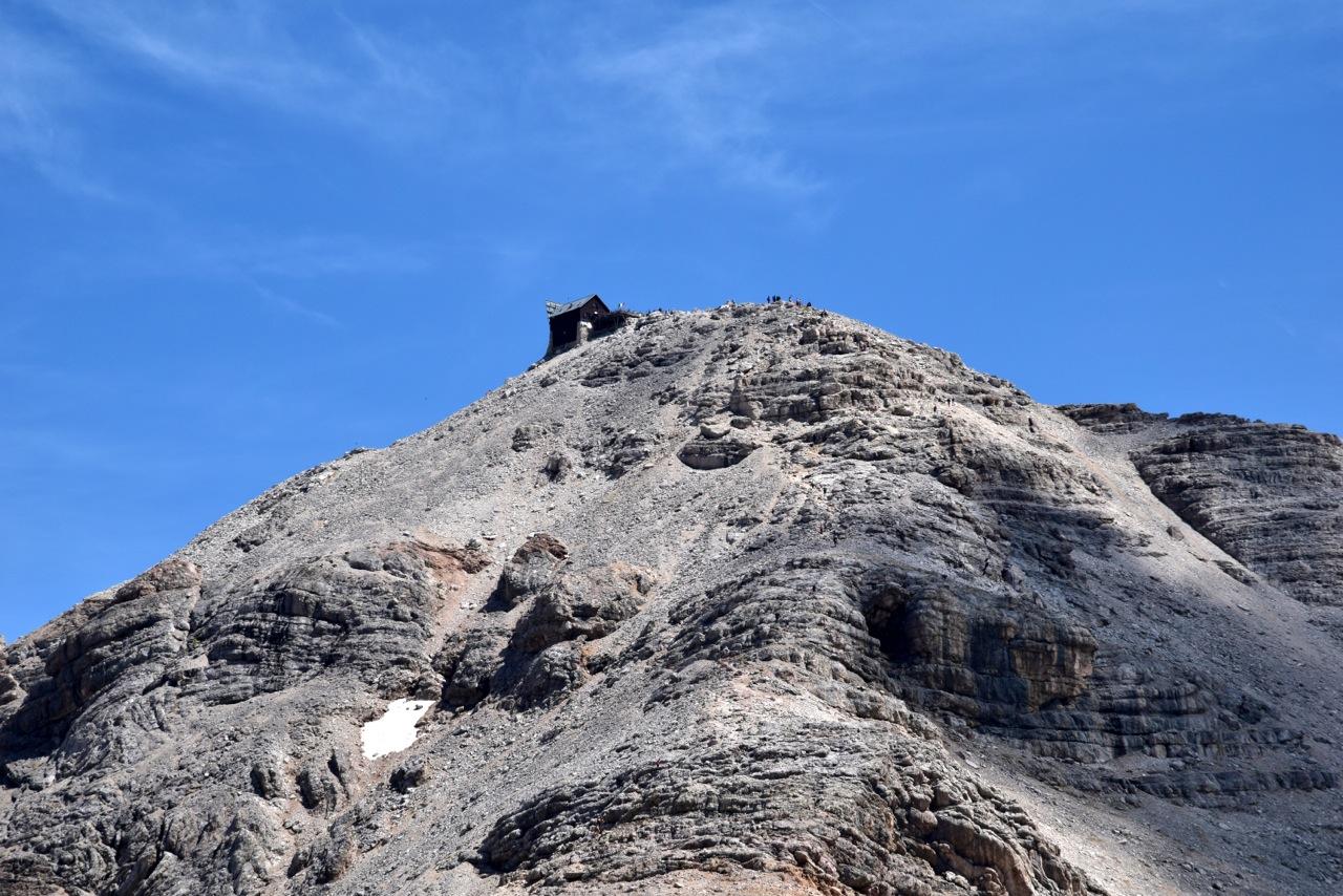 Cima Piz Boe con capanna Fassa punto piu alto della ski race