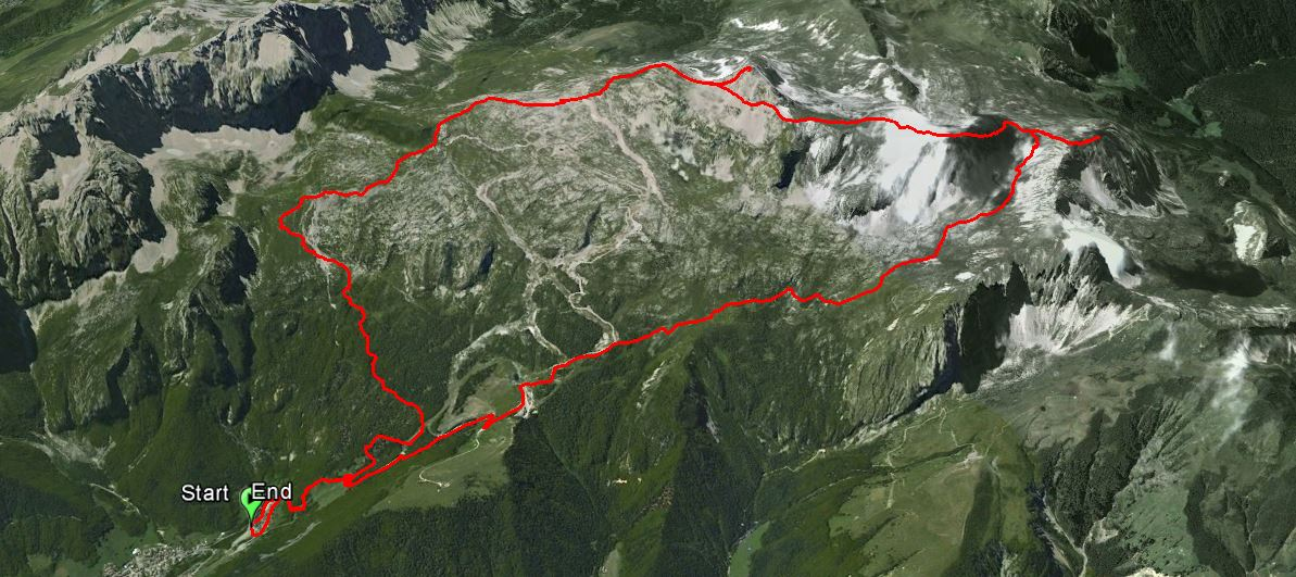 Monte Vigna Vaga 2332 m. , Monte Ferrante 2427 m. , Monte Ferrantino 2325 m.